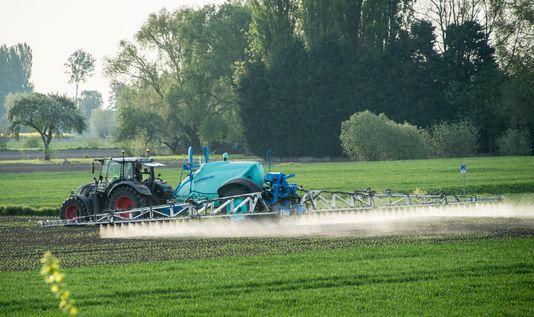 Bras de fer sur les conditions d'épandage des pesticides autour deshabitations